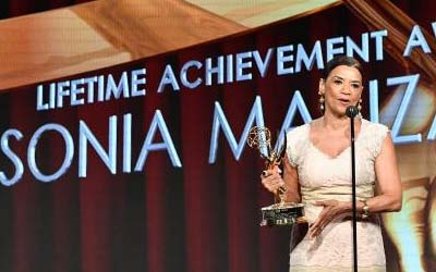 Sonia Manzano Receives Lifetime Achievement at 2016 Daytime Emmy Awards